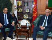 محافظ بورسعيد يستقبل مدير الأمن الجديد بمكتبة بديوان المحافظة