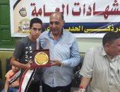 """صور.. تكريم 45 من طلبة الثانوية والإعدادية بقرية """"أبو ذكرى"""" بالدقهلية"""