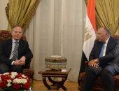 سامح شكرى: بحثت مع وزير خارجية إيطاليا زيادة الاستثمارات الإيطالية فى مصر