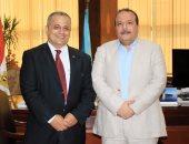 صور.. رئيس جامعة طنطا يصدر قرارات بتكليف أساتذة بأقسام الطب