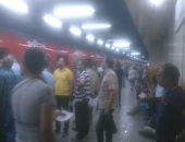 تكدس الركاب بمحطات الخط الأول للمترو نتيجة انقطاع الكهرباء