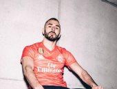 ريال مدريد يكشف عن القميص الثالث للموسم الجديد.. صور