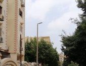 صور.. قارئ يشكو من فصل أعمدة الإنارة فى شارع بهضبة الأهرام