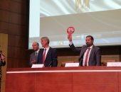 """ممثل """"وزير الاتصالات"""" يدعو لعقد اجتماع بين تجار المحمول وشركات المحمول"""