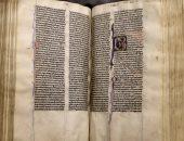 شاهد. عودة كتاب مقدس نادر بعد 500 سنة من فقدانه إلى كاتدرائية كانتربرى