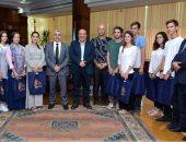 رئيس جامعة طنطا يستقبل وفدا طلابيا من قسم اللغة العربية بجامعة موسكو