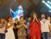 صور.. لبلبة تدعم إليسا بعد شفائها من السرطان وتحضر حفلها بأعياد بيروت