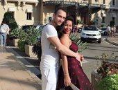 شاهد.. حسام حبيب  فى رقصة رومانسية مع زوجته شيرين