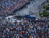 آلاف الرومانيين يتظاهرون لليوم الثانى للمطالبة بإقالة الحكومة