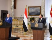 الرئيس السيسي لنظيره اليمنى: نرحب بزيارتك لبلدك الثانى مصر