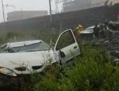 """شاهد.. فرق الإنقاذ الإيطالية تهرع لجسر """"جنوة"""" بعد انهياره"""