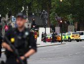 صور.. شرطة بريطانيا تغلق محطة مترو قرب البرلمان بعد اصطدام سيارة بحاجز أمنى