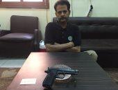 مباحث المطرية تضبط فرارجى بحوزته سلاح نارى ويعترف: اشتريته فى 2011