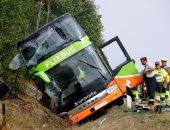صور.. إصابة 16 شخصا فى حادث انقلاب حافلة شمال ألمانيا