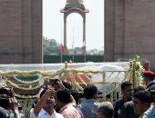 بث مباشر لمراسم حرق جثمان رئيس وزراء الهند الأسبق