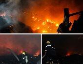 """مصدر أمنى: ماس كهربى وراء حريق مصنع إسفنج أبو النمرس.. و""""المطافئ"""" تحاول السيطرة"""
