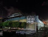 انهيار السقف والمواد سريعة الاشتعال تعوق عمليات إخماد حريق مصنع أكتوبر