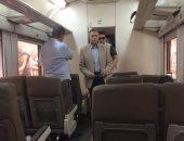 وزير النقل بجولة بمحطتى القاهرة والجيزة لمتابعة استعدادات السكة الحديد للعيد