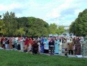 مئات المسلمين من الجاليات العربية يؤدون صلاة العيد بتوقيت نيويورك