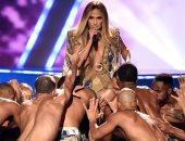 صور وفيديو.. جينيفر لوبيز تتألق فى ميدلى غنائية بحفل MTV