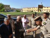 محافظ أسوان يقدم بالتهنئة لضباط الجيش والشرط بمناسبة العيد.. صور وفيديو