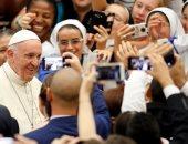 صور.. البابا فرنسيس يبدأ اجتماعه الأسبوعى بساحة القديس بطرس