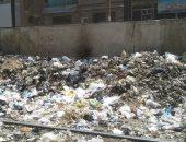 القمامة والنفايات تحاصر الشارع الجديد ومدرسة إبتدائية بشبرا الخيمة