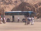 صور.. المصريون والأجانب يتوافدون على معبد فيلة بأسوان
