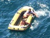 صور.. روسيان ينجوان من الموت بعد ضياعهما 5 أيام فى عرض البحر