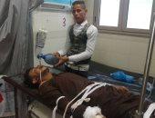 فيديو.. مواطنون يسعفون مرضاهم نظرا لغياب أطباء مستشفى الميرى بالإسكندرية