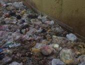 شكوى من تراكم القمامة بشارع العروسى فى روض الفرج