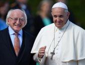 """صور.. بابا الفاتيكان يلتقى رئيس أيرلندا بالعاصمة """"دبلن"""""""