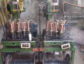 صور.. ضبط صاحب مصنع لإنتاج أسلاك كهربائية بمواد مجهولة وتقليد علامات تجارية