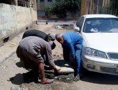صور.. محافظ سوهاج يكلف رئيس حى غرب مدينة سوهاج بمراجعة غرف الصرف الصحى