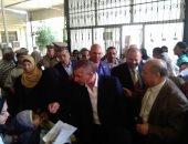 صور.. محافظ كفر الشيخ يدعم المستشفى العام بعدد من الأجهزة الطبية