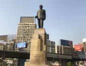 """حكاية تمثال نجيب محفوظ فى شارع """"جامعة الدول"""""""