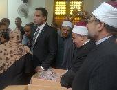 صور.. الأوقاف تبدأ توزيع لحوم الأضاحى على الأسر الأولى بالرعاية بالقاهرة والجيزة