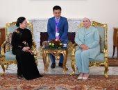"""السيدة انتصار السيسي تلتقي حرم الرئيس الفيتنامي بـ""""قصر الإتحادية"""".. صور"""