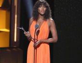ناعومى كامبل تحصد جائزة Black Girl Magic Award.. وتظهر بفستان Calvin Klein