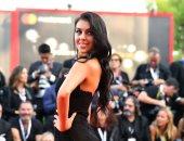 جورجينا رودريجيز حبيبة كريستيانو رونالدو تخطف الأضواء بمهرجان فينيسيا