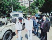 صور.. مدير أمن القاهرة يقود حملات تطهير مصر القديمة ورفع 17 سيارة متروكة