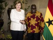 ميركل تصل غانا فى إطار جولة أفريقية تشمل السنغال ونيجيريا