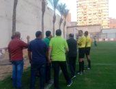 الحكم يستكمل مباراة البلدية وفاركو بعد نزول الجماهير