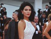 صبا مبارك على السجادة الحمراء فى افتتاح مهرجان فينيسيا السينمائى الدولى