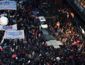 صور..إضرابات ومسيرات للمعلمين فى جامعات الأرجنتين للمطالبة بزيادة الرواتب