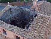 شاهد..انهيار سقف كنيسة تاريخية وسط العاصمة الإيطالية روما