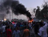 متظاهرون عراقيون يدخلون منشأة تابعة لحقل نفط ويحتجزون عمالا
