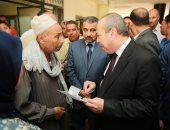 فيديو وصور.. محافظ كفر الشيخ يتفقد إدارات الديوان العام ويلتقى بالمواطنين