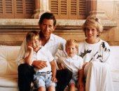 موقع أمريكى يكشف توتر العلاقة بين الأمير تشارلز وولديه.. صور