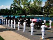 السيناتور جون ماكين يدفن فى تكريم مهيب بالأكاديمية البحرية الأمريكية